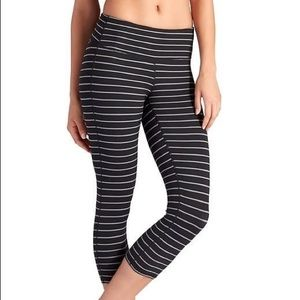 Athleta Cropped Leggings